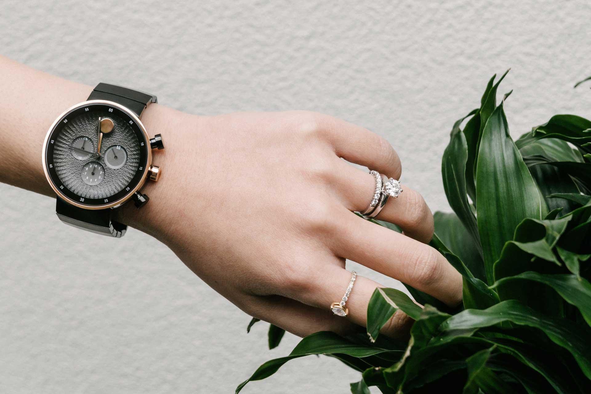 đồng hồ nữ Movado Edge