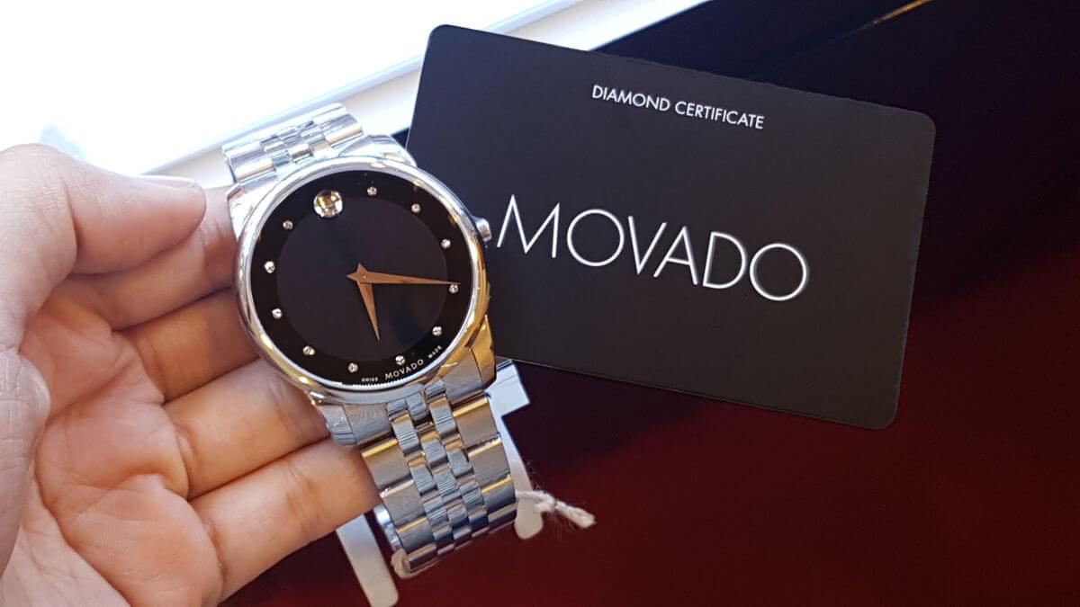 phân biệt đồng hồ movado thật giả